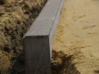 Как установить бордюрный камень?