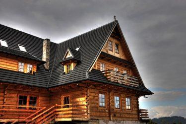 Какую кровлю выбрать для деревянного дома?